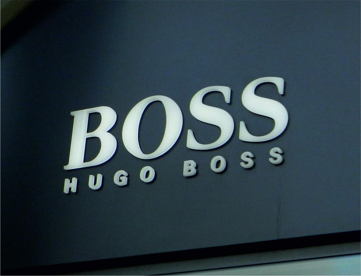 Boss insegne negozi roma